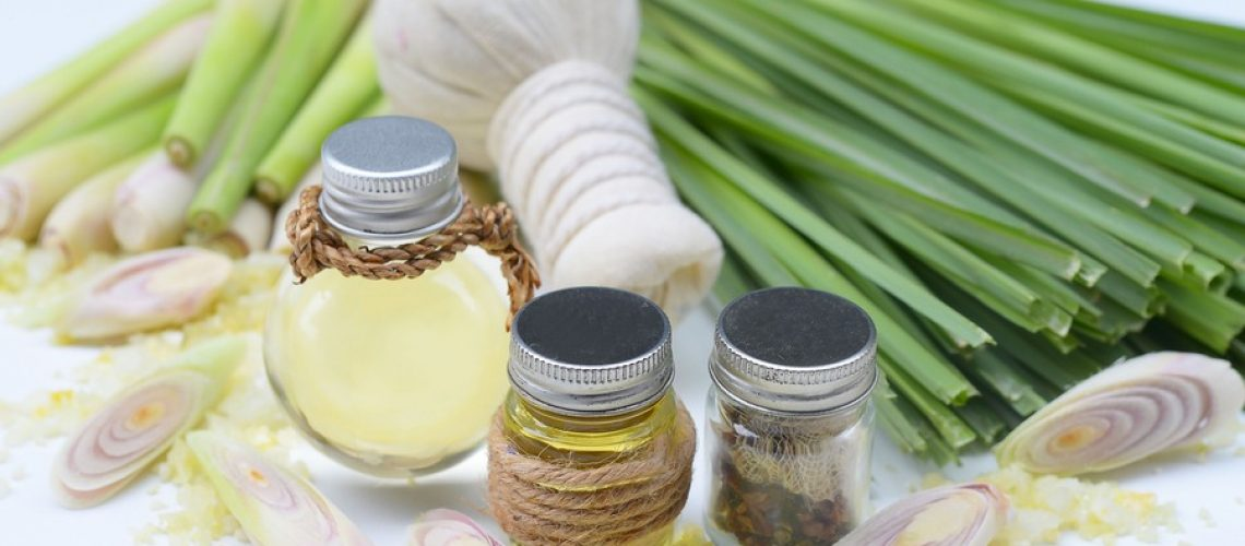 Natural Spa Ingredients Lemongrass essential Oil with Aromatherapy